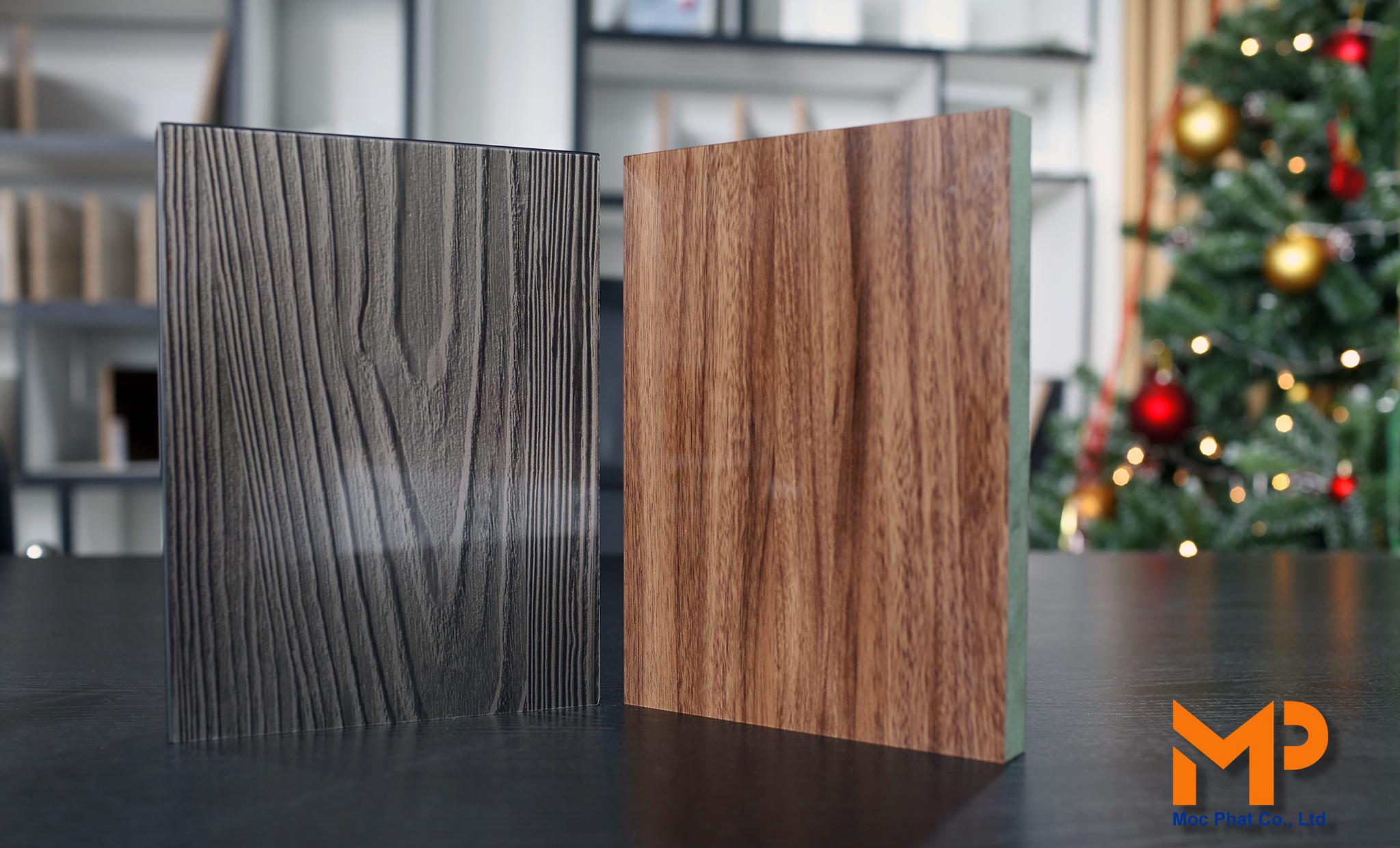 Acrylic vân gỗ gam trầm: Nét quý phái đầy tinh tế
